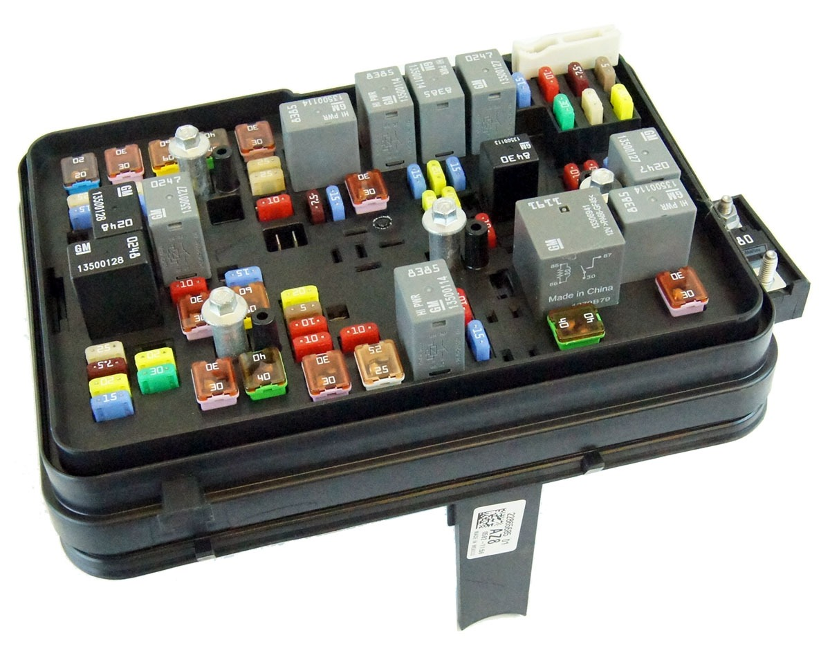 22865685 2011 2012 gmc terrain equinox 24l engine compartment fuse block box relays 2011 2012 gmc terrain equinox 2 4l engine compartment fuse block equinox fuse box at gsmx.co