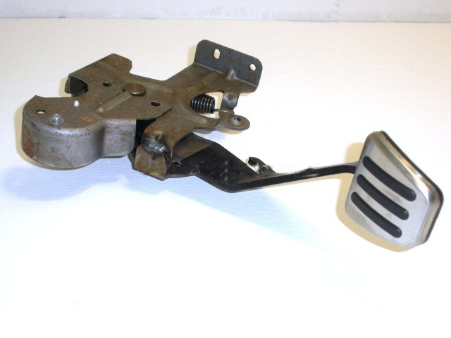 06 09 Sky Solstice Clutch Pedal Assembly