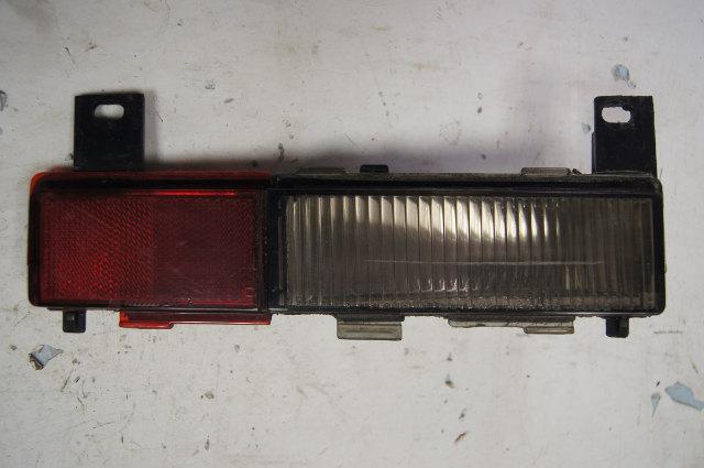1988-1996 Chevy Corvette C4 Rear Right Side Marker Lamp Used OEM 16508520