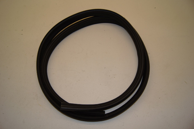 06 09 Solstice Rear Compartment Weatherstrip 20787126