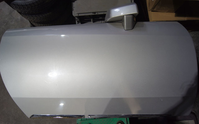 2004-2009 Cadillac XLR Right Door W/Mirror Hinges Speaker Used Silver 10301723