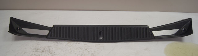Cadillac Xlr Trunk Rear Sill Trim Panel Black Used
