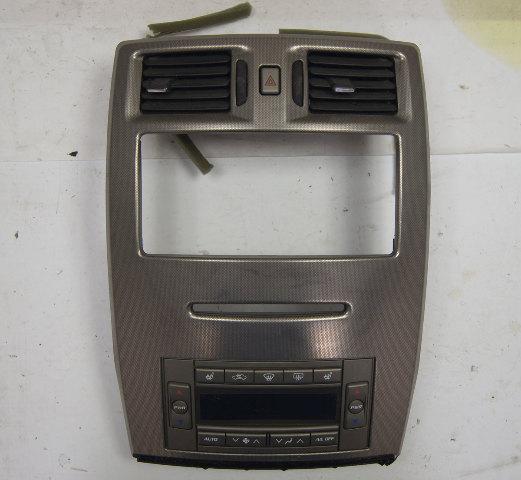 2004-2009 Cadillac XLR Climate Control & Radio Trim Bezel Used 10351108