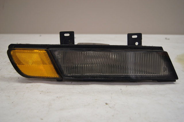1991-1996 Chevy Corvette C4 Front Right Side Marker Lamp Assy Used OEM 16514492