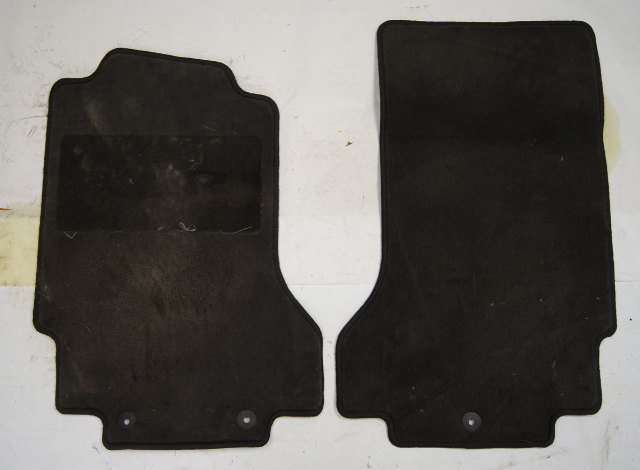 2004-09 Cadillac XLR Front Floor Mat Pair Used Black 25819112 10352572 25803201