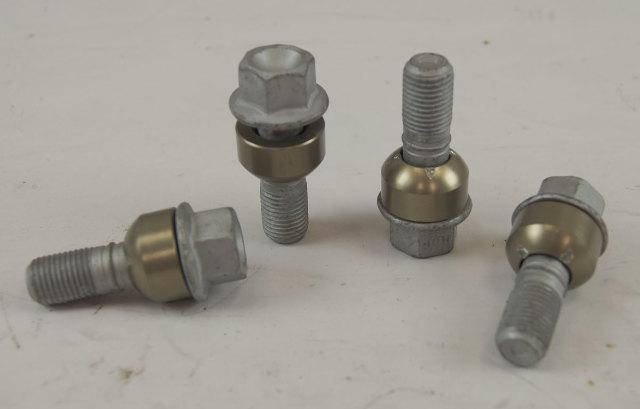 Porsche Lug Nuts Set of 4 New M14-1.5 X 58mm 19mm Head Non-Locking 99736120301