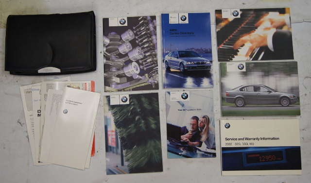 2002 BMW 325i Owners Manual W/Pouch 3 Series Used 320i 325i 325xi 330i 330xi