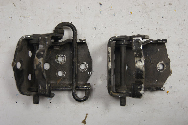 1984-96 Chevy Corvette C4 Door Hinges Upper & Lower Black Used 14043176 14043177