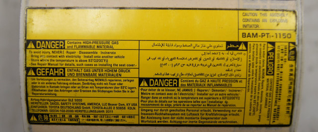 Caution Label High Pressure Gas & Flammable Material New